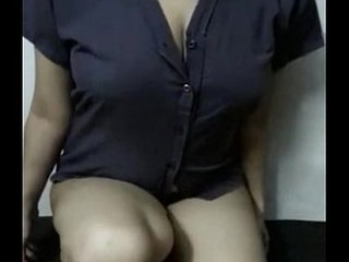 Indian Hot Mast hot figured Paki hottie giving a nude show for you homemade - Wowmoyback