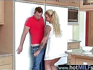 Sluty Milf Performing Sex On Camera With A Big Dick vid-25